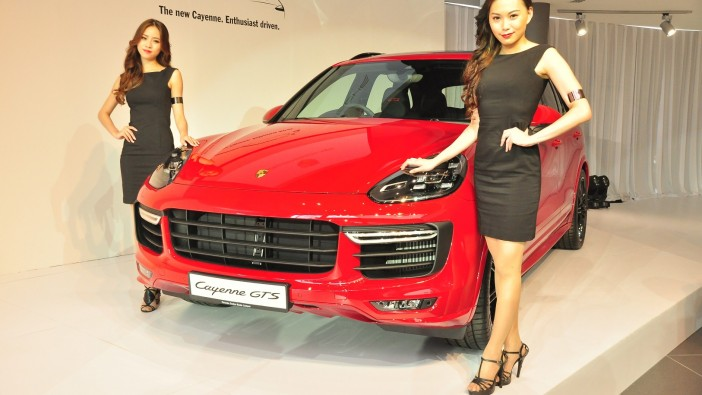New Cayenne and 911 Targa revealed at Porsche Sg Besi opening