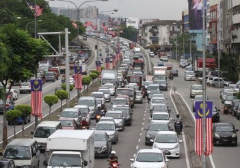Raising toll fares not the answer to reduce jam