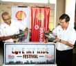 (L-R) Shell Malaysia MD Azman Ismail and Shell Lubricants GM Leslie Ng