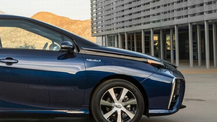 Toyota Mirai goes the distance