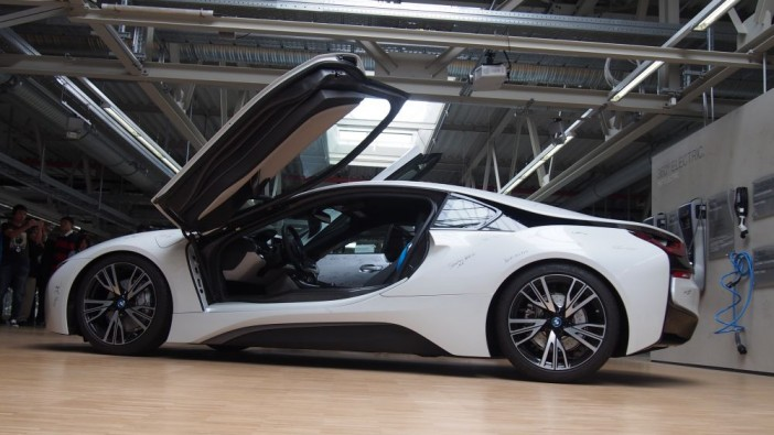 The i8 could be powered by hydrogen before the decade is out.