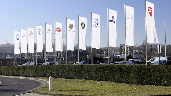 VW overtakes Toyota as world's biggest carmaker