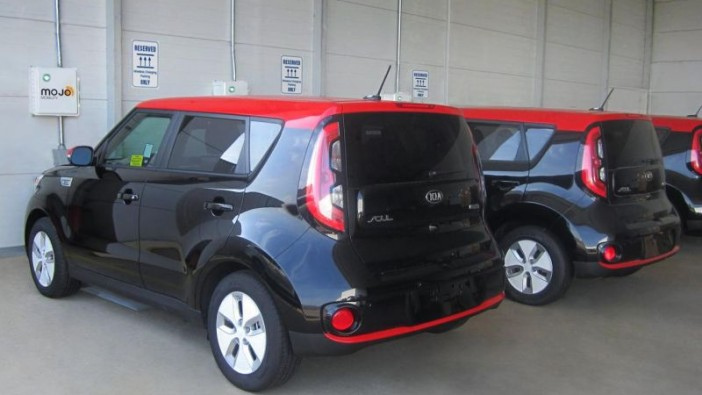 Kia Soul EVs taking part in wireless charging project
