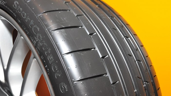 Continental debuts new SportContact 6 (SC6) tyre