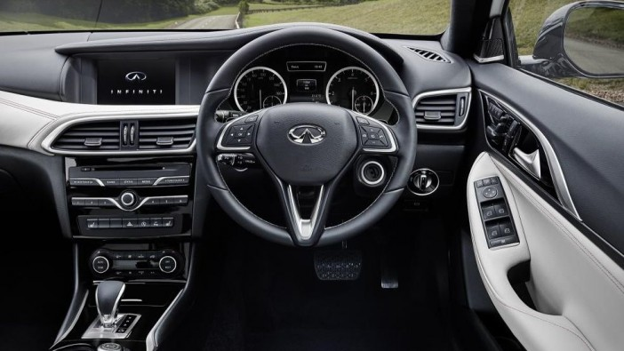 Infiniti Q30 SECOND IMAGE image White 4k - 1 Sept 2015