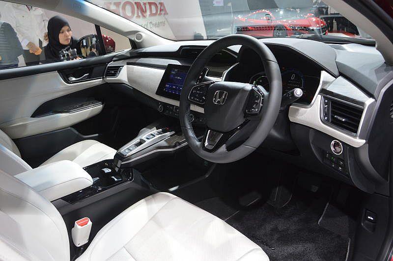 Honda Clarity (3)