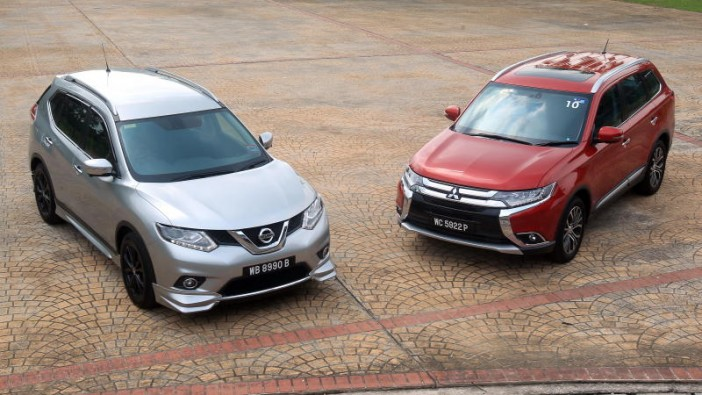 Nissan X-Trail vs Mitsubishi Outlander