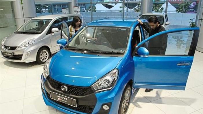 Malaysians holding back on cars amid wobbling economy