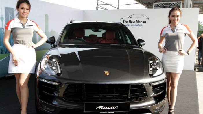 Refreshed Porsche Macan arrives